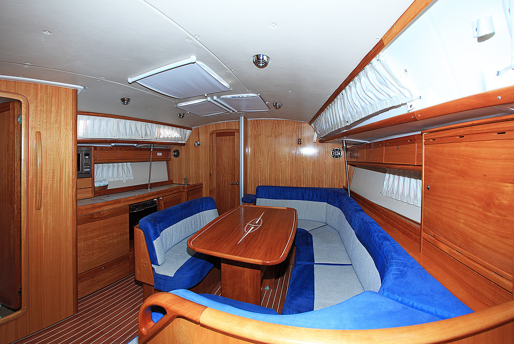 Bavaria 40 Cruiser, Fenix