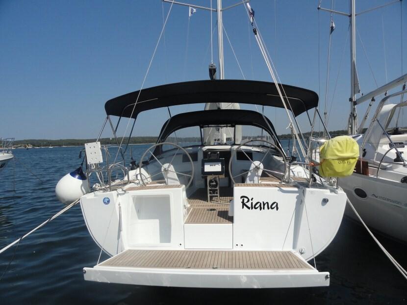 Hanse 385, Riana